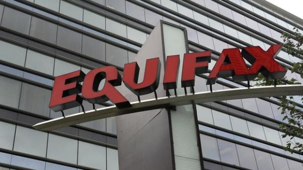 После крупной хакерской атаки Equifax уволила 2-х управляющих