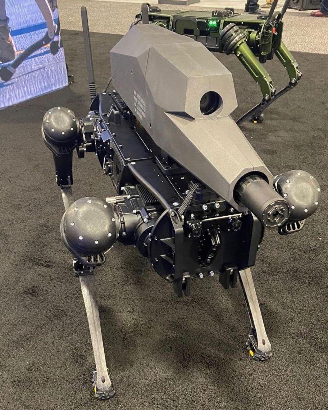 В США представили робопса со снайперской винтовкой