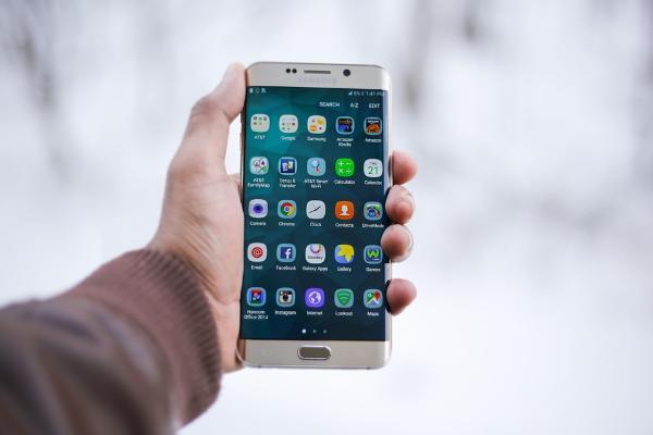 Уязвимости в предустановленных приложениях Samsung позволяют следить за пользователями