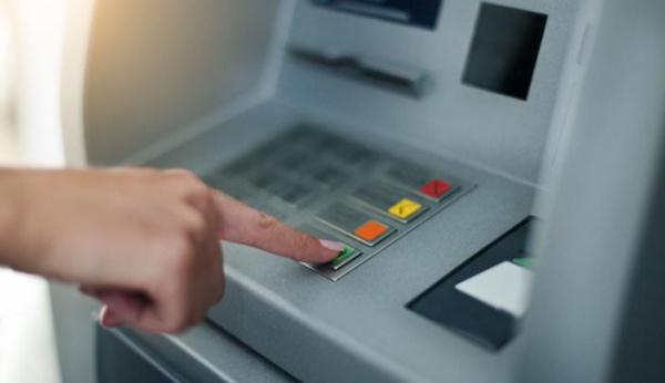 Хакеры похитили 800 тыс. евро из банкоматов с помощью атаки black box